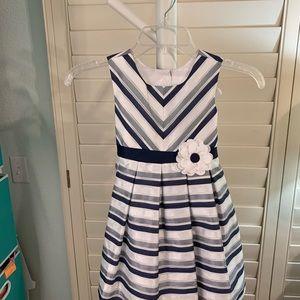 Lovely dress for a sweet little girl! SZ 4T #A375